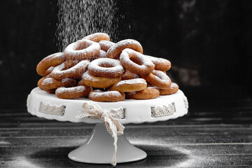 Obraz oponki, jedzenie, przekąska, pieczone, słodki, piekarnia, smażone, deser, ciasteczka, przepyszny, śniadanie, krąg, ciasta, smaczny, swiezy, posiłek - fototapety do salonu