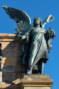Statur am Niederwalddenkmal in Rüdesheim am Rhein in Hessen, Deutschland