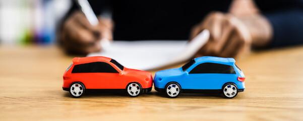 Obraz Car Accident Liability Insurance And Lawyer - fototapety do salonu