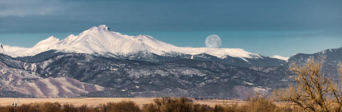 Moonset over Longs Peak