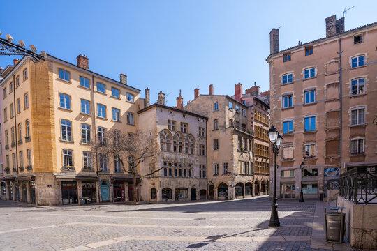 Place du Change pendant le confinement, Lyon, France