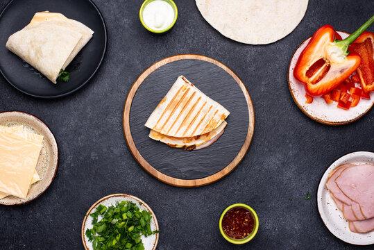 Process of prepare Mexican quesadilla.