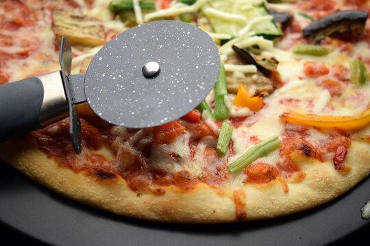 Rotella tagliapizza ft0212_0219 Pizzaschneider Pizzaleikkuri Pizza cutter