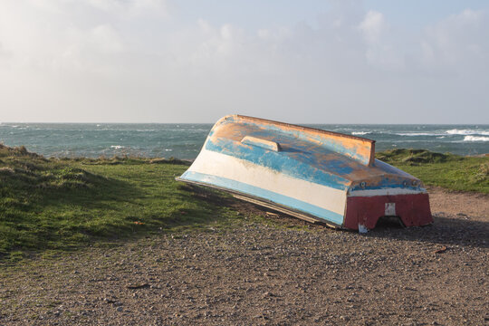 Boat turn upside down to winterize in Brittany