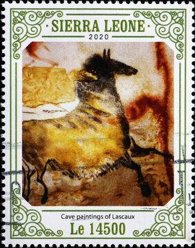 Horse in cave paintings of Lascaux on postage stamp