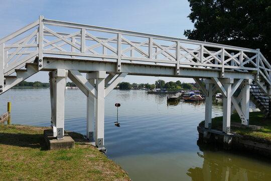 Fußgängerbrücke Zierker See Neustrelitz