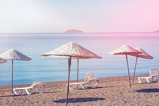 Bodrum Bitez Beach With Straw Umbrella - Aegean Sea. Retro Ä°mage