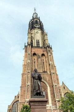 Neue Kirche mit Denkmal von Hugo Grotius in Delft.