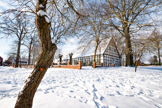 Winter view, community center of the Saerbeck climate community