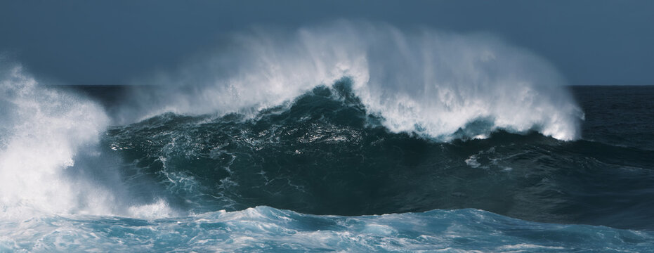 wave splash in the sea