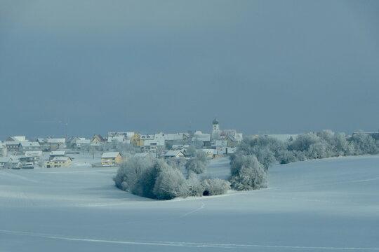 bayrisches Dorf im Winter