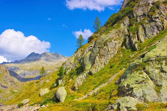 Gebirgslandschaft im Tessin in der Schweiz - Mountain landscape, Ticino in Switzerland