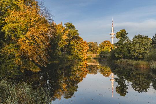 Germany, Hamburg, Planten un Blomen public park in autumn