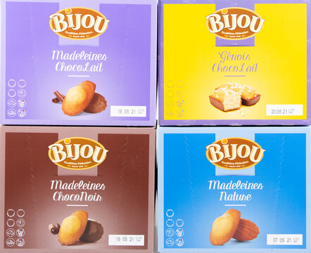 Bijou logo brand and text sign on boxes bar cake madeleines store specialist manufacture of madeleine cookies pastry french
