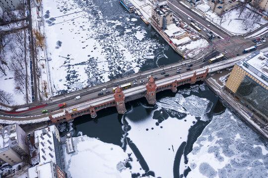Oberbaumbrücke Berlin, Winter 2021