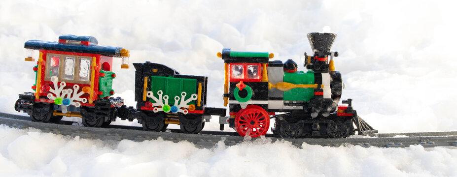Lippstadt - Deutschland 17. Februar 2021 Lego Eisenbahn im Schnee