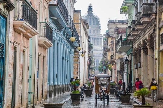 Cityscape of the streets of Havana (Cuba)