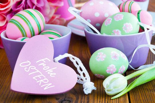 Frohe Ostern mit Herz und Ostereiern