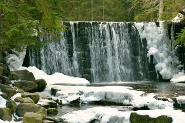 Dziki Wodospad na rzece Łomnicy w Karpaczu