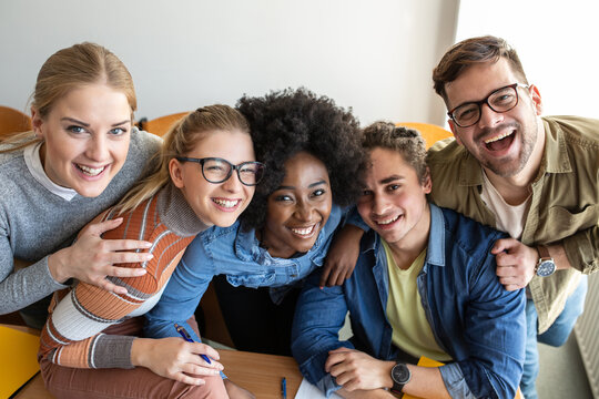 Group portrait of college students.