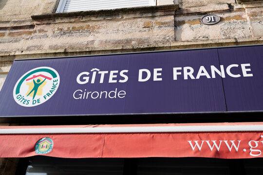gîtes de france text sign and brand logo of agency gites bed and breakfast rent office in Gironde France