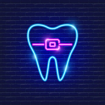 Teeth with ligature braces neon icon. Orthodontics concept. Sign for dentistry clinic.