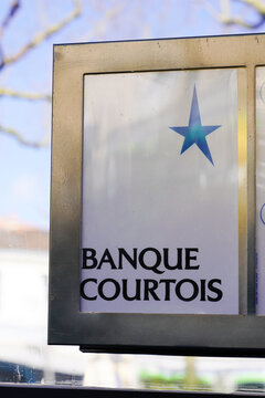 Banque Courtois star logo sign and text main office oldest French bank brand shop