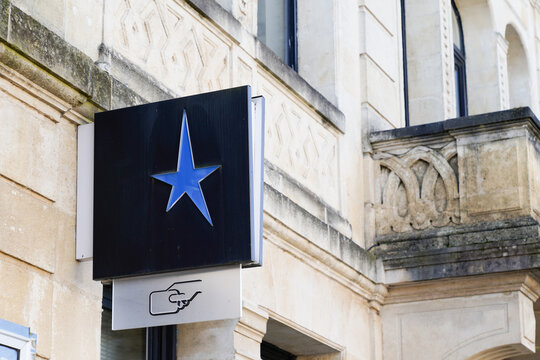 Banque courtois logo star blue sign and text on agency main office brand French bank shop