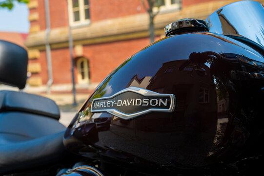 Deutschland , Calau , 07.08.2020 , Schriftzug Harley Davidson auf dem Tank