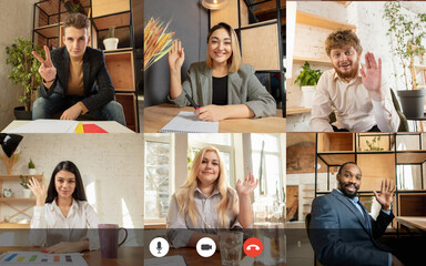 Fototapeta Team working by group video call share ideas brainstorming use video conference. PC screen view with young people, application ad. Easy and comfortable usage concept, business, online, finance. obraz