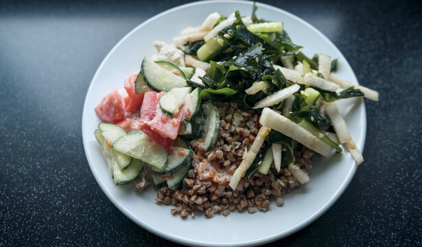 plate of healthy nutritious meal