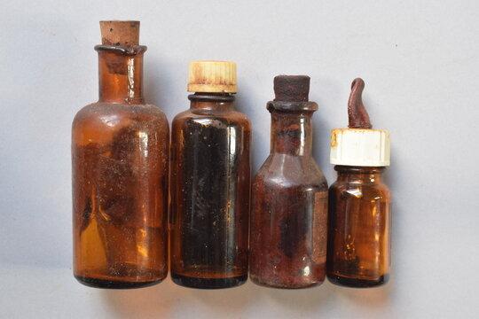 Historische Medizinfläschchen