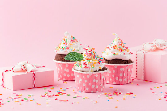 Festive holiday chocolate cupcakes for Birthday, Woman or Mothers Day.