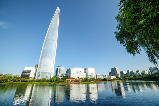 Beautiful view of park with lake at downtown of Seoul