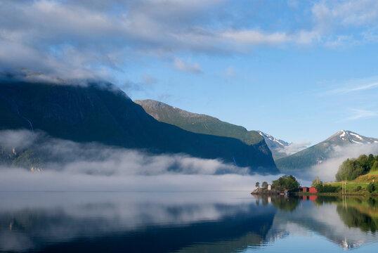 Morning mood Romsdalsfjorden