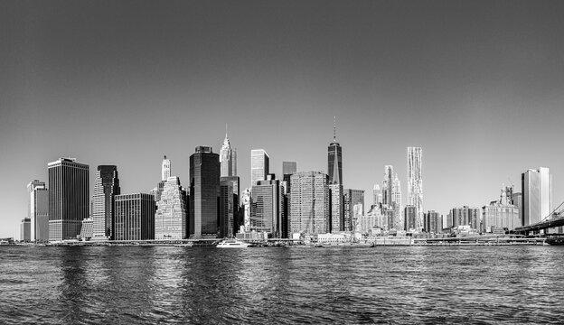 manhattan skyline seen from Brooklyn side