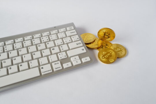 bitcoins et clavier ordi