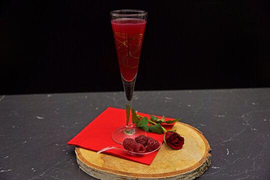 Raspberry Ginger Lemonade Sparkling Wine Cocktail