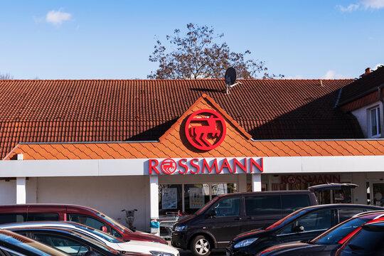 Deutschland , Lübben , 05.03.2021 , Ein Drogerie Shop von Rossmann