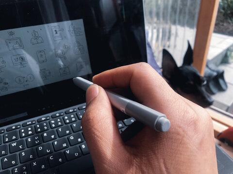 Microsoft Surface Goイラストを描く。キーボードとタッチペン。おうち時間/ステイホーム/テレワーク