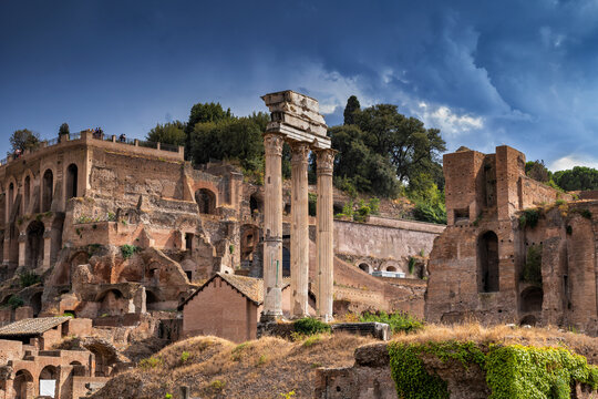 Italy, Rome, Roman Forum, Palatine Hill, columns of Temple of Castor and Pollux