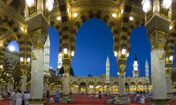 Marvelous shot of Masjid al Nabawi