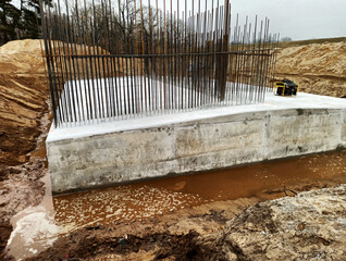 Fototapeta Budowa nowego mostu. Konstrukcja podpory. obraz