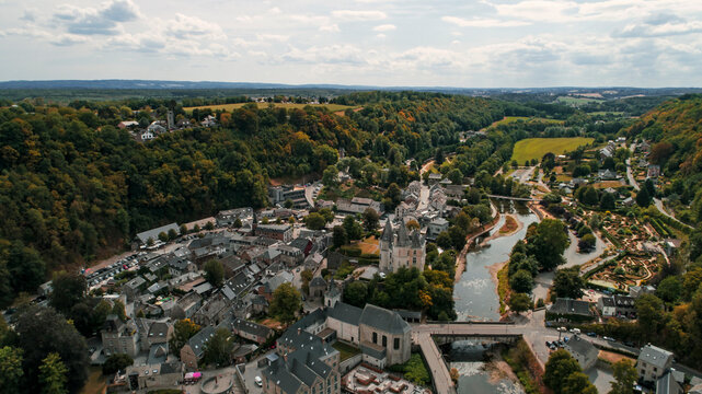view from the top of the mountain -Durbuy, Província: Luxemburgo