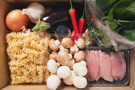 Meal kit delivery box