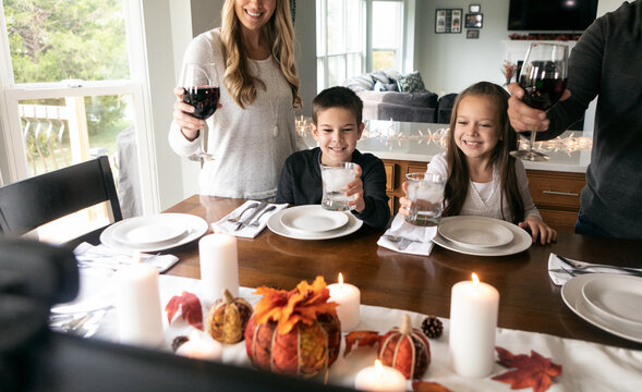 Thanksgiving: Family Toasts The Holiday With Distanced Relatives