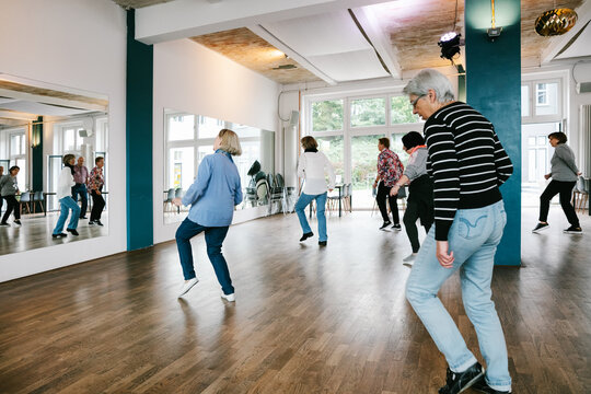 Dance Class For Elderly People In Studio
