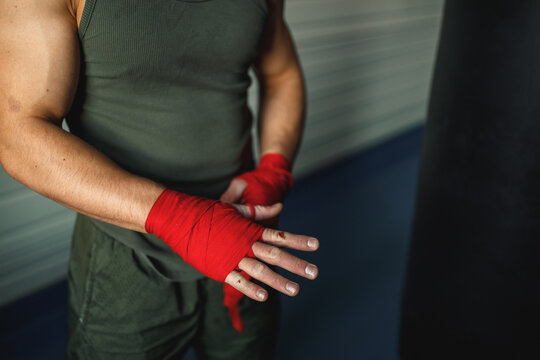 Pugilist preparing to working out