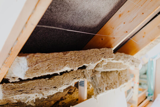 attic insulation with mineral wool