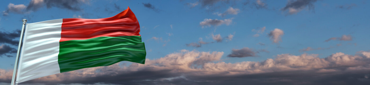 Madagascar Flag with extrem large Blue Sky and clouds Single Flag